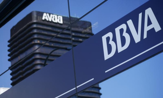 BBVA brings info and payments to social and messaging networks