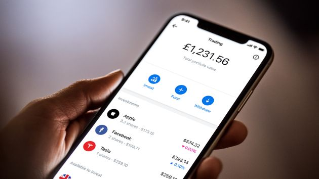 Fintech firm Revolut launches a Robinhood-style stock trading service