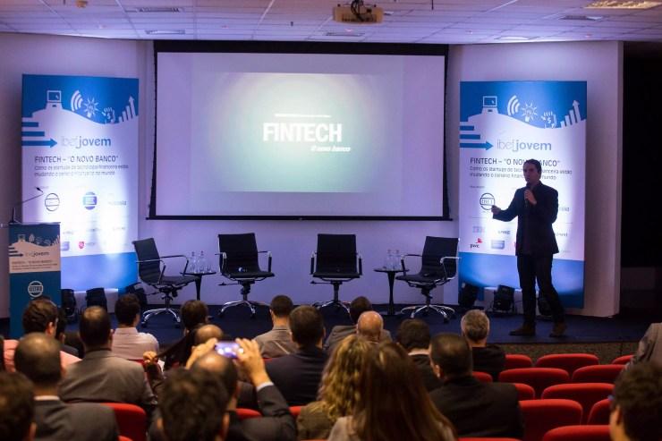 """Rodrigo Dantas abriu o evento com o tema """"Novo Banco"""". Foto: Mario Palhares/IBEF SP"""