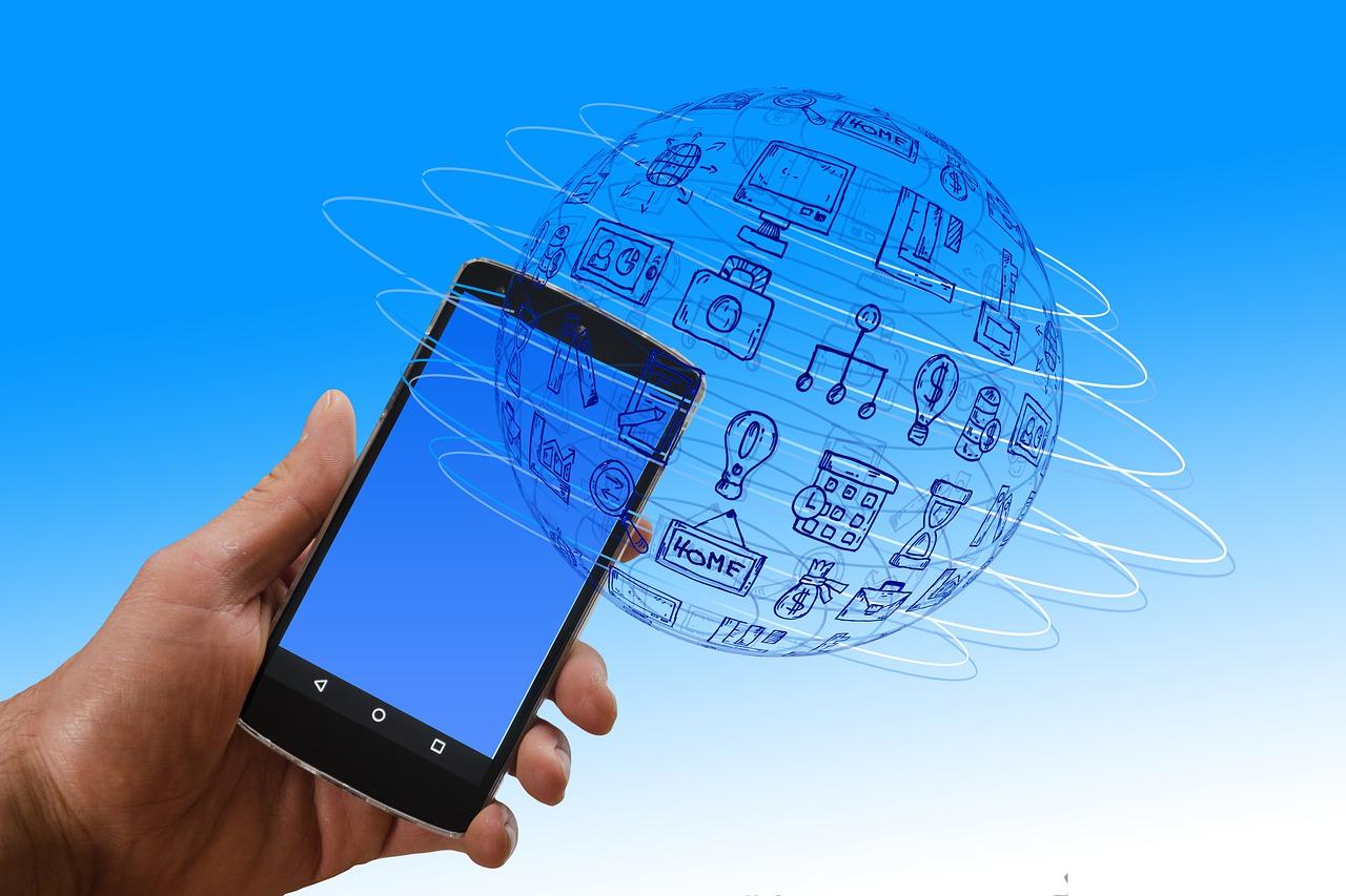 Quase 90% dos 60 milhões de brasileiros com conta digital também usa os bancos convencionais
