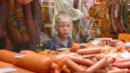 Люди экономят на еде: доходы россиян падают четыре года подряд