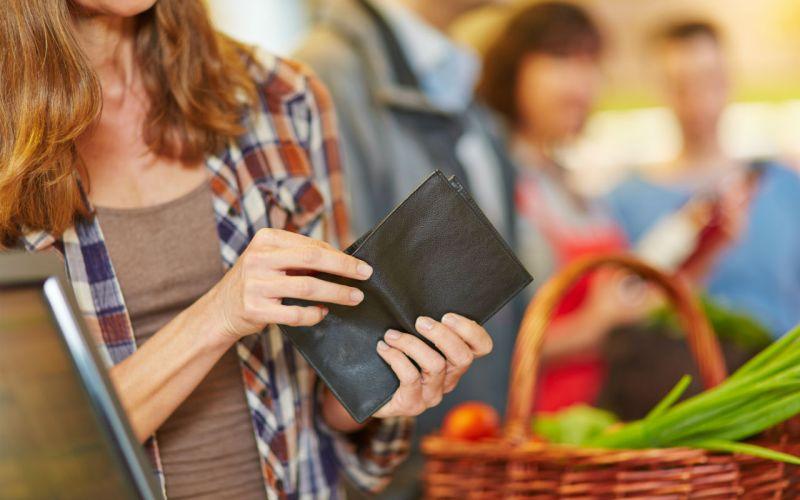 Как научиться экономить и копить деньги при маленькой зарплате и скромных доходах