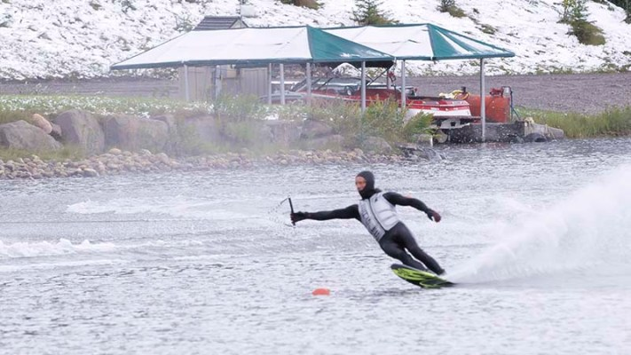 water skiing cold snow