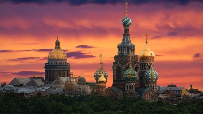 Sunset-4K-St-Petersburg-Russia-Wallpaper