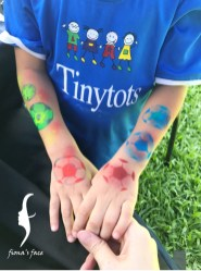 """after finished 2 yellow & green football, he said """"I love blue"""", after that """"red please""""! Wow~!"""