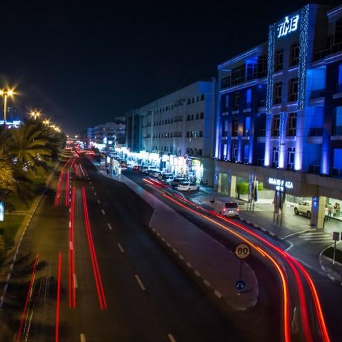 Straße vor dem Hotel.