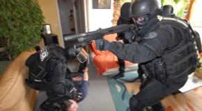 BRI : L'anti-gang du 36 Quai des Orfèvres + dvd –  Philippe Poulet et Jean-François Guiot (2007)