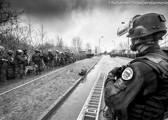 Fipn sdlp les gendarmes du gign en images fipn sdlp for Gendarmerie interieur