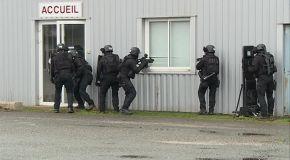 A l'entraînement avec les policiers du RAID de Toulouse