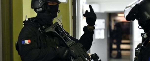 Alès : la femme qui était retranchée dans une banque a été interpellée