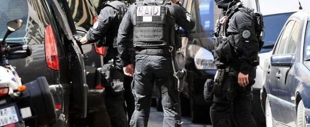 Un ancien policier tue son frère et blesse son neveu de 26 ans par balles à Marseille