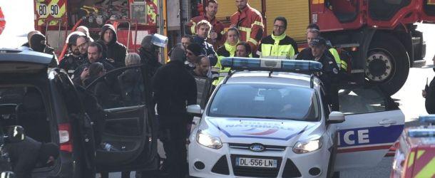 Pau : Le forcené retranché dans son immeuble qu'il menaçait de brûler a été arrêté