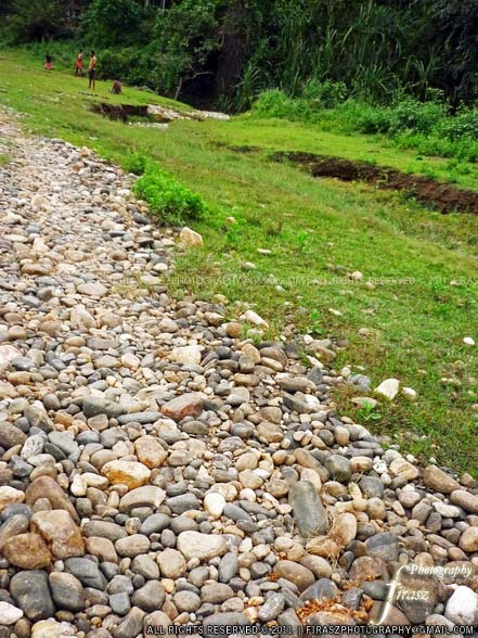 A stony walkway