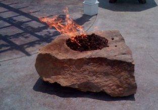 fireboulder-jumbo-firepit-fire-boulder (1)