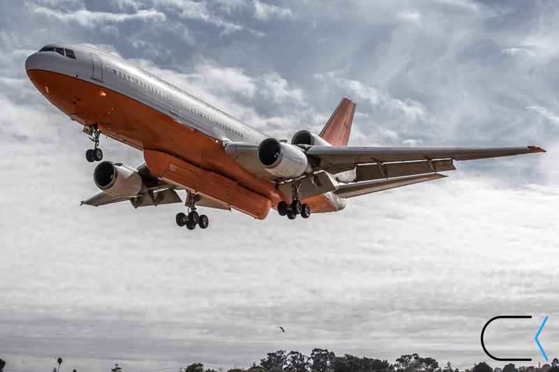 DC-10, Tanker 911, landing at Santa Maria