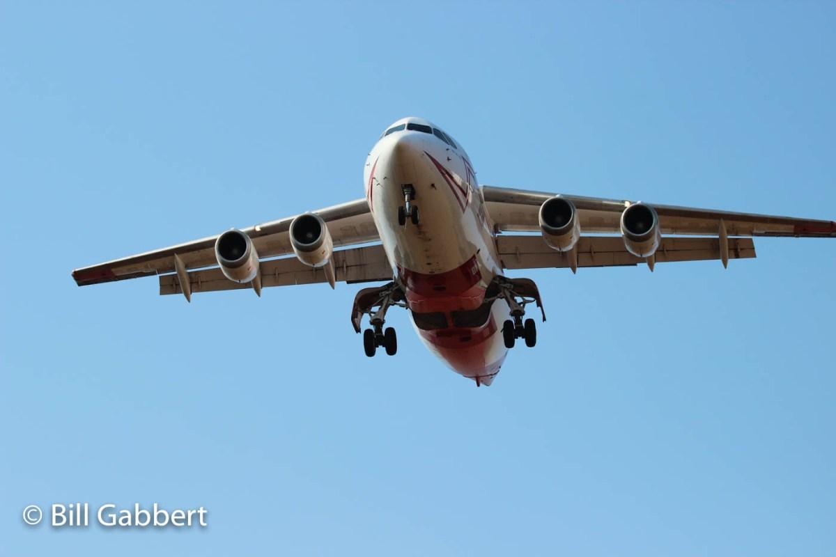 Bae-146 landing Redding