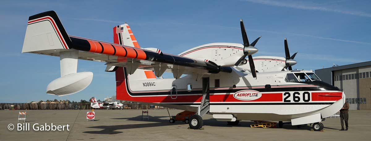 CL-415 air tanker