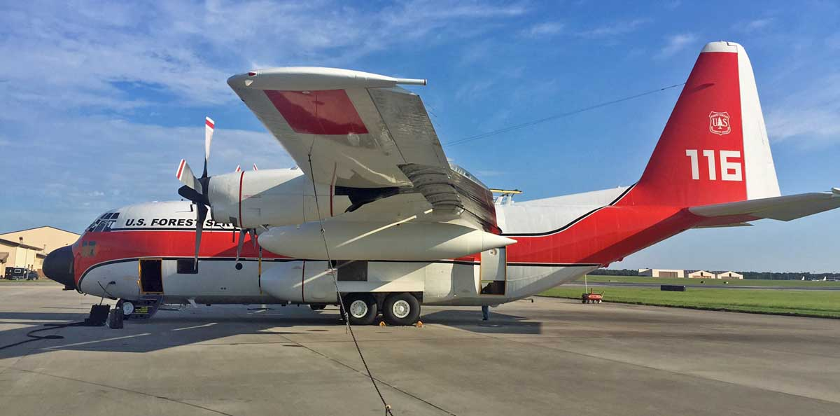 Photos of USFS Air Tanker 116