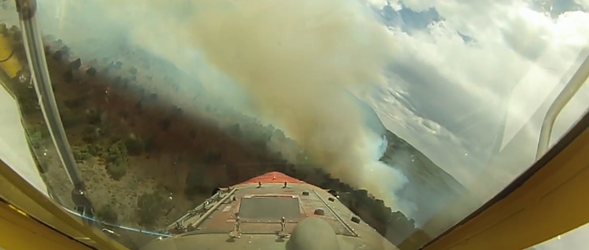 Video from Air Tanker 850 over the Horse Park Fire