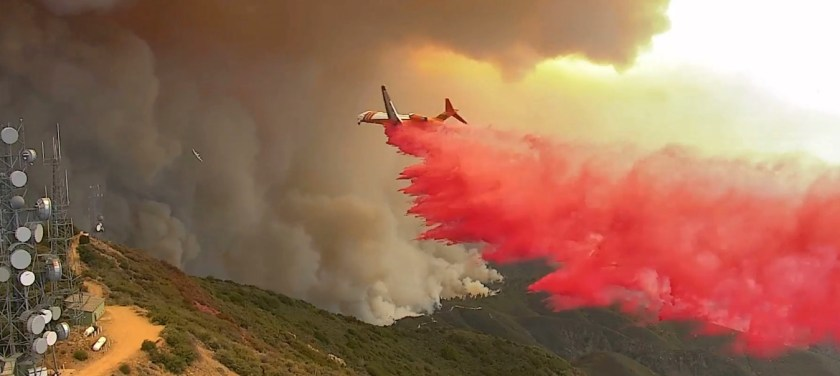 MD-87 air tanker Santiago Peak Holy Fire