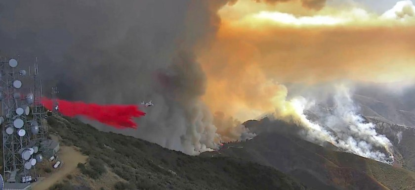 S2T air tanker Santiago Peak Holy Fire