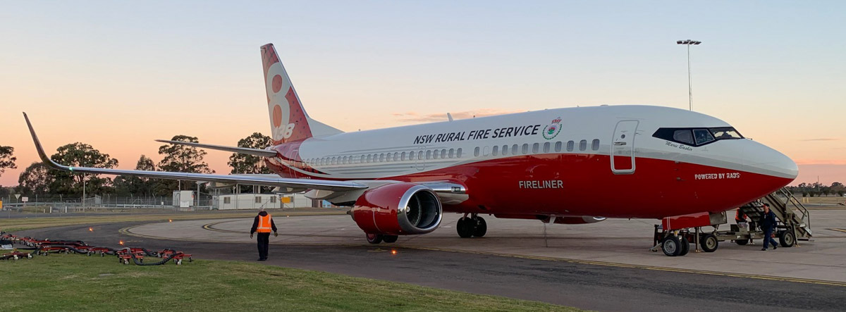 New South Wales' new 737 makes its first drop on a fire