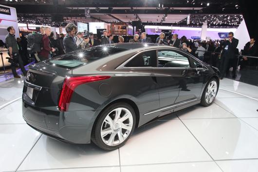Cadillac-ELR-4
