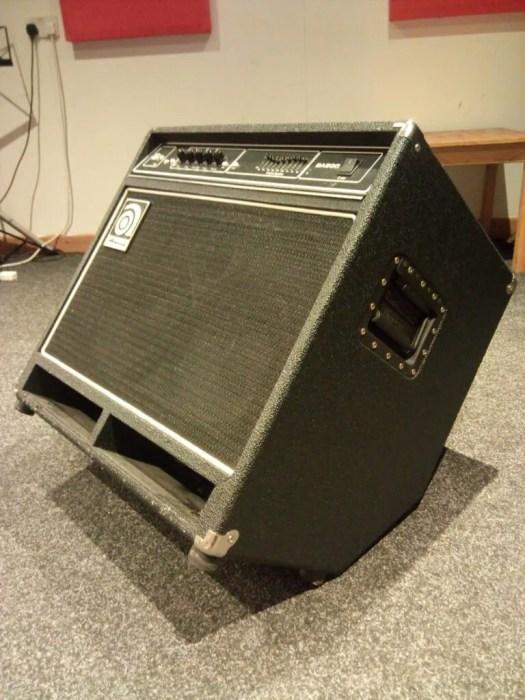 Ampeg BA500 bass amp