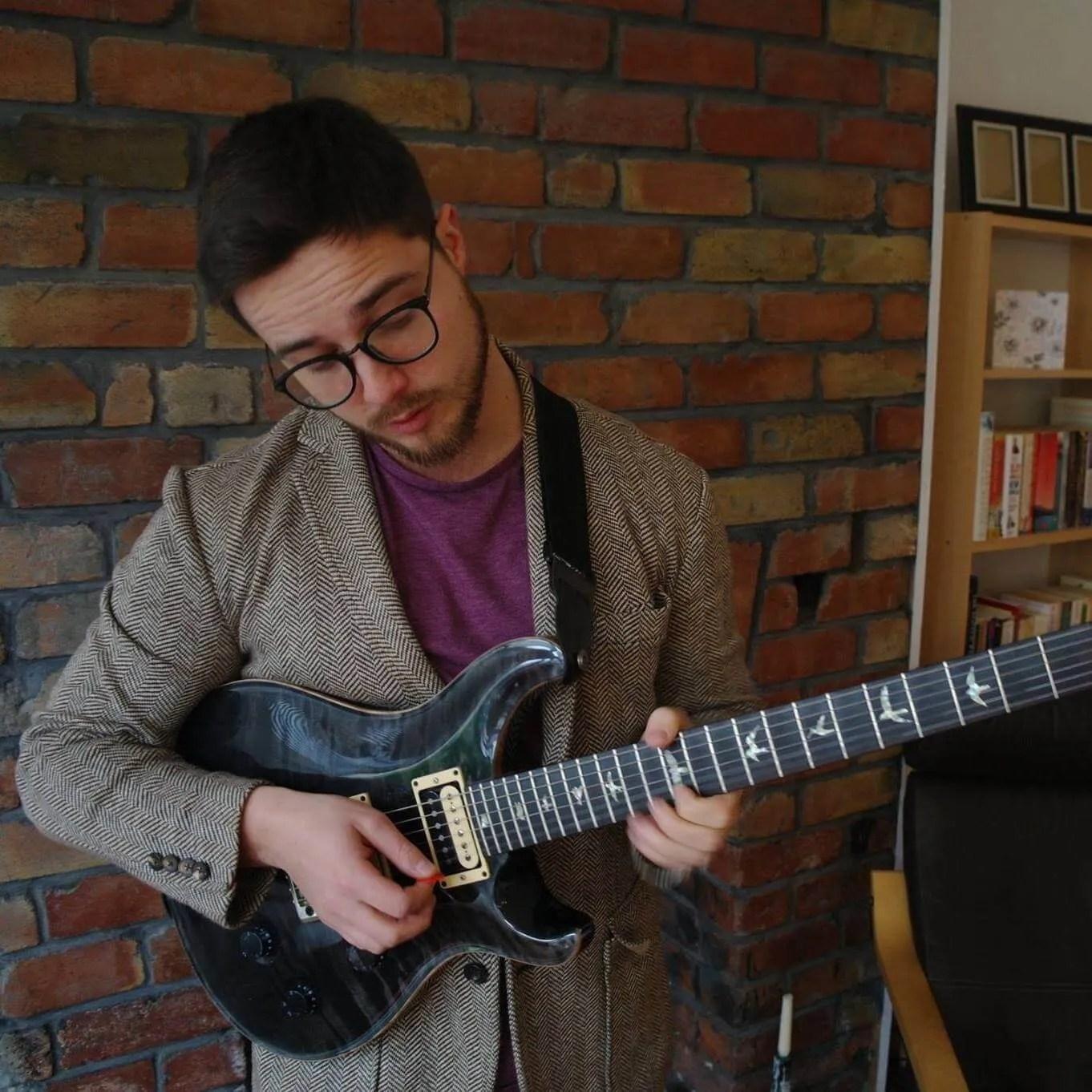 Alun Elliot-Williams Guitar Teacher