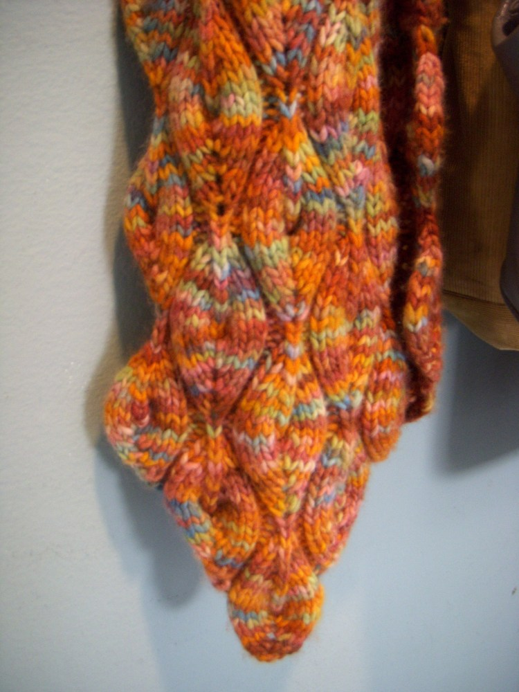 Candle flame scarf (2/4)