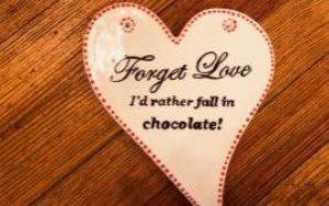 heart fall in chocolate