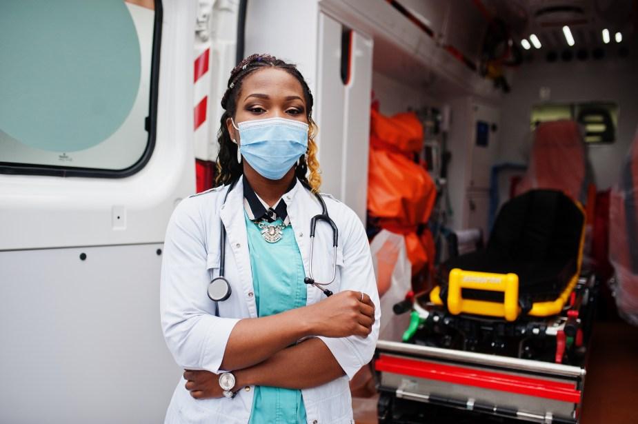 EMT wearing mask