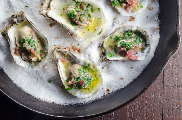 oysters-and-cavit-pinot-grigio-2