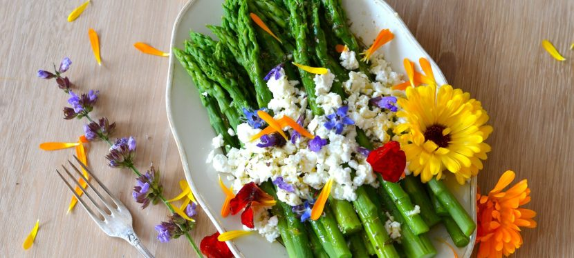 6 Flowers You Can Use to Spice up Your Cooking