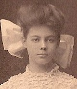 sarah-bennett-commencement-photo-1907