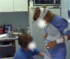 Scherzano e fumano in rianimazione sospesi medici e infermieri a Grosseto