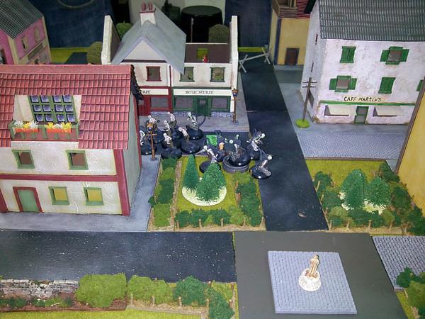 Zombies tomam o centro da vila