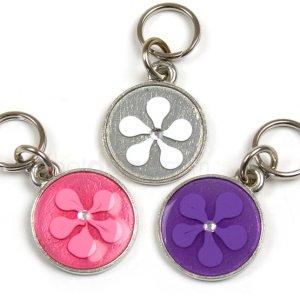 Hundetegn med tofarvet blomst og sten-Hvid/sølv-M