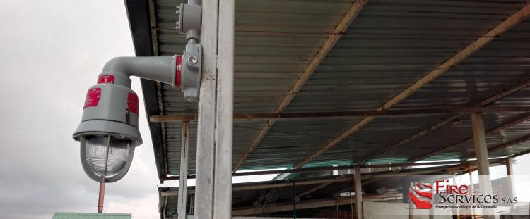 Sistema de alarmas y evacuación multitono contra incendios