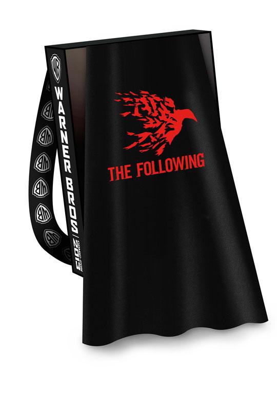 FOLLOWING-THE-Comic-Con-2013-Cape