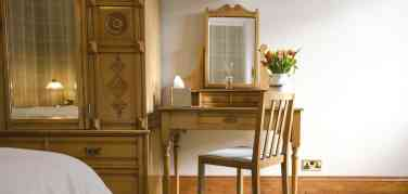 Harris Dressing Table
