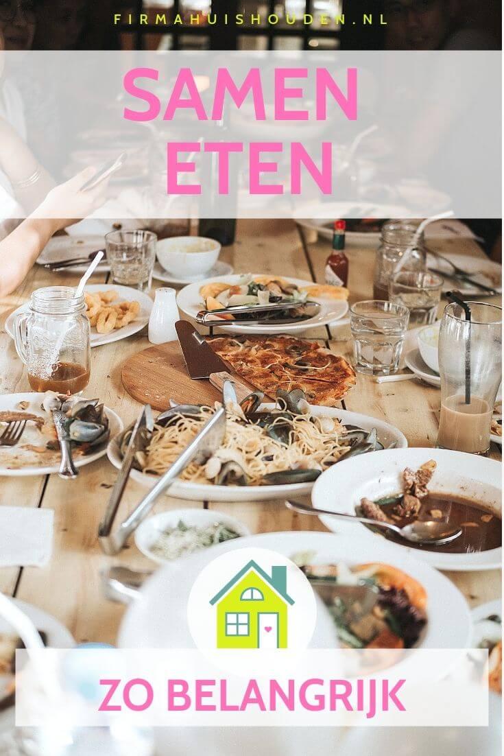 Gedekte tafel met lekker eten - samen eten