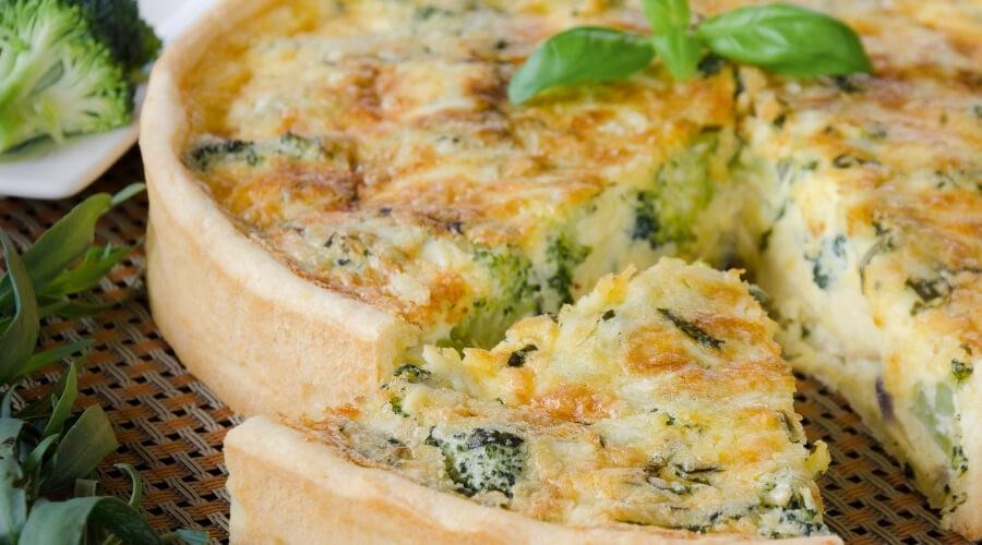 Recept   Hartige taart met broccoli en zalm