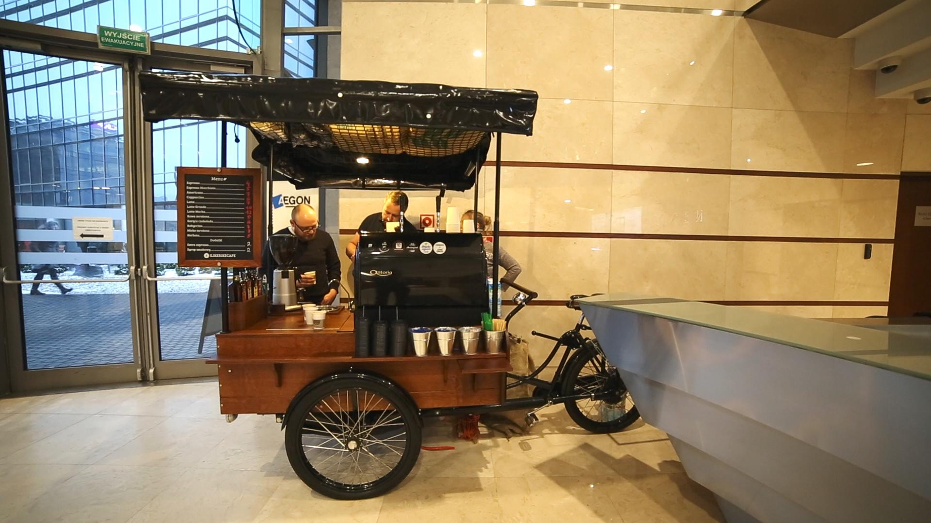 Reklama franczyzy rowerowej kawiarni Bike café