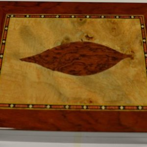 Tobacco Leaf Inlay Humidor