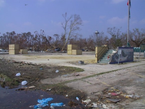 Waveland_city_hall_remains