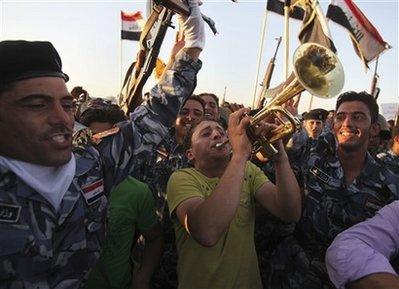Capt.60b1d89f2f8c4ee2ad329640b6ff086f.iraq_us_troops_bag118
