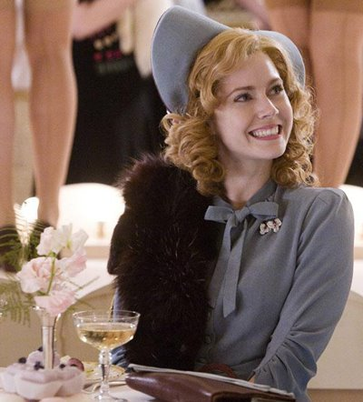 Amy_adams_miss_pettigrew_lives_for_a_day_3