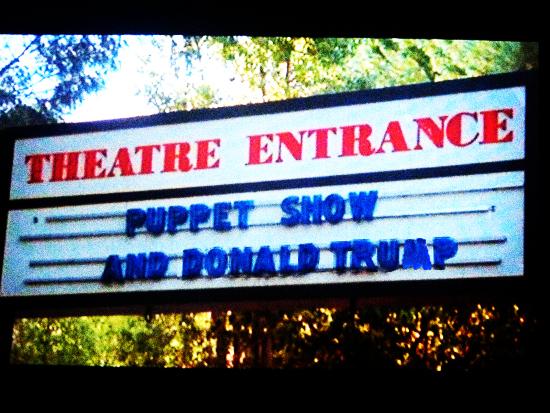puppet_show_donald_trump