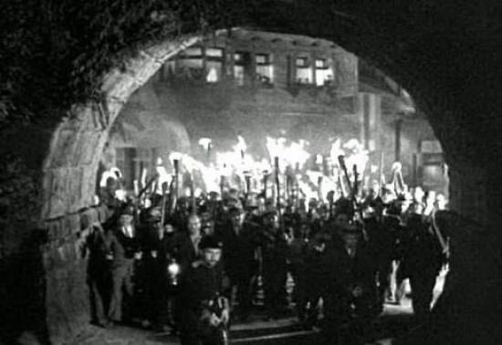 frankenstein-castle-torch-wielding-mob